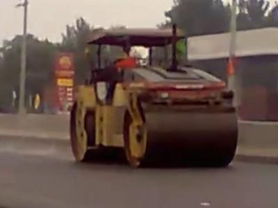 双钢轮压路机工作视频